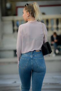 Mujeres bellas jeans apretados