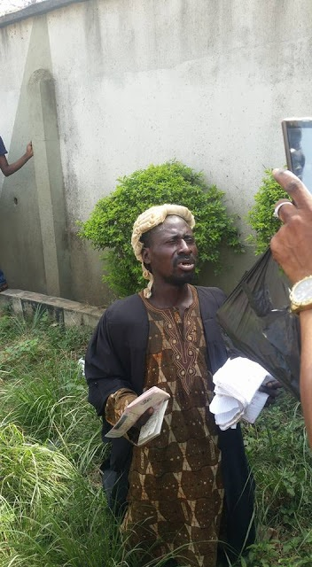 Man Pretending to be Mad Arrested in a Lawyer's Outfit in Ogun State (Photos)