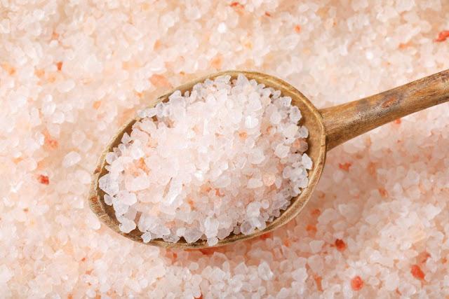 Чи дійсно гімалайська сіль корисніша за звичайну