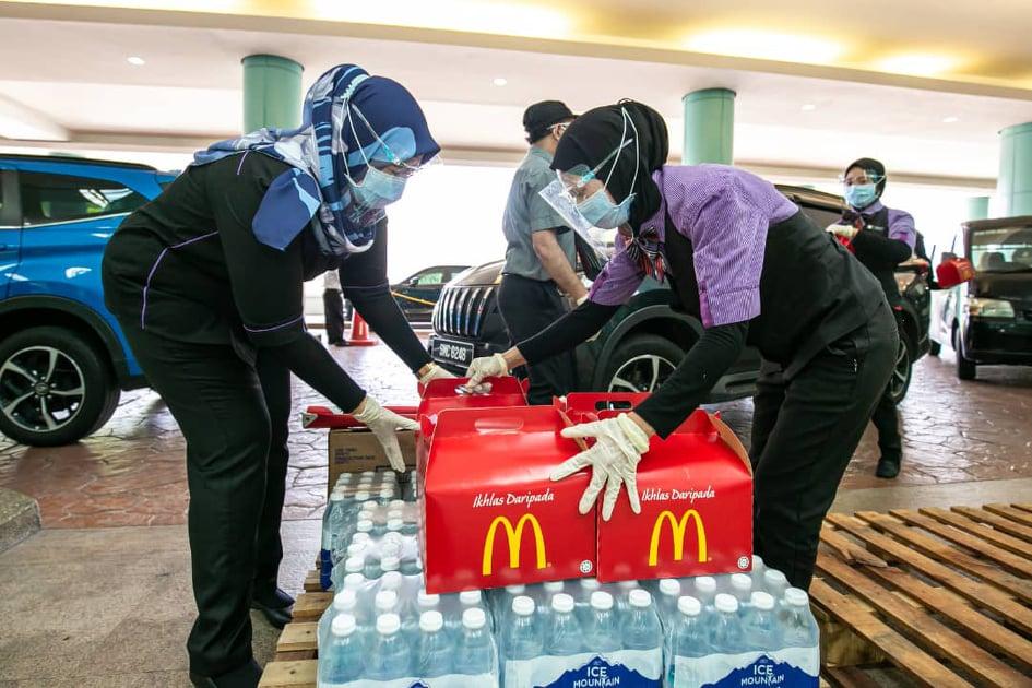 Hospital Sungai Buloh Menerima Tajaan Makanan Daripada McDonald's Malaysia