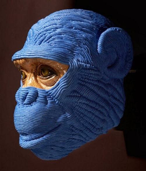 11-Monkey-Eyes-Mozart-Guerra-Rope-Animal-Sculptures-www-designstack-co