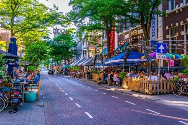 Buzzing City for Dining, Shopping, and Nightlife