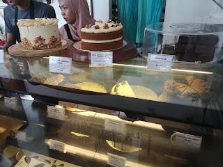Kula Cakes atau Lila Wadi? Mana Yang Best?