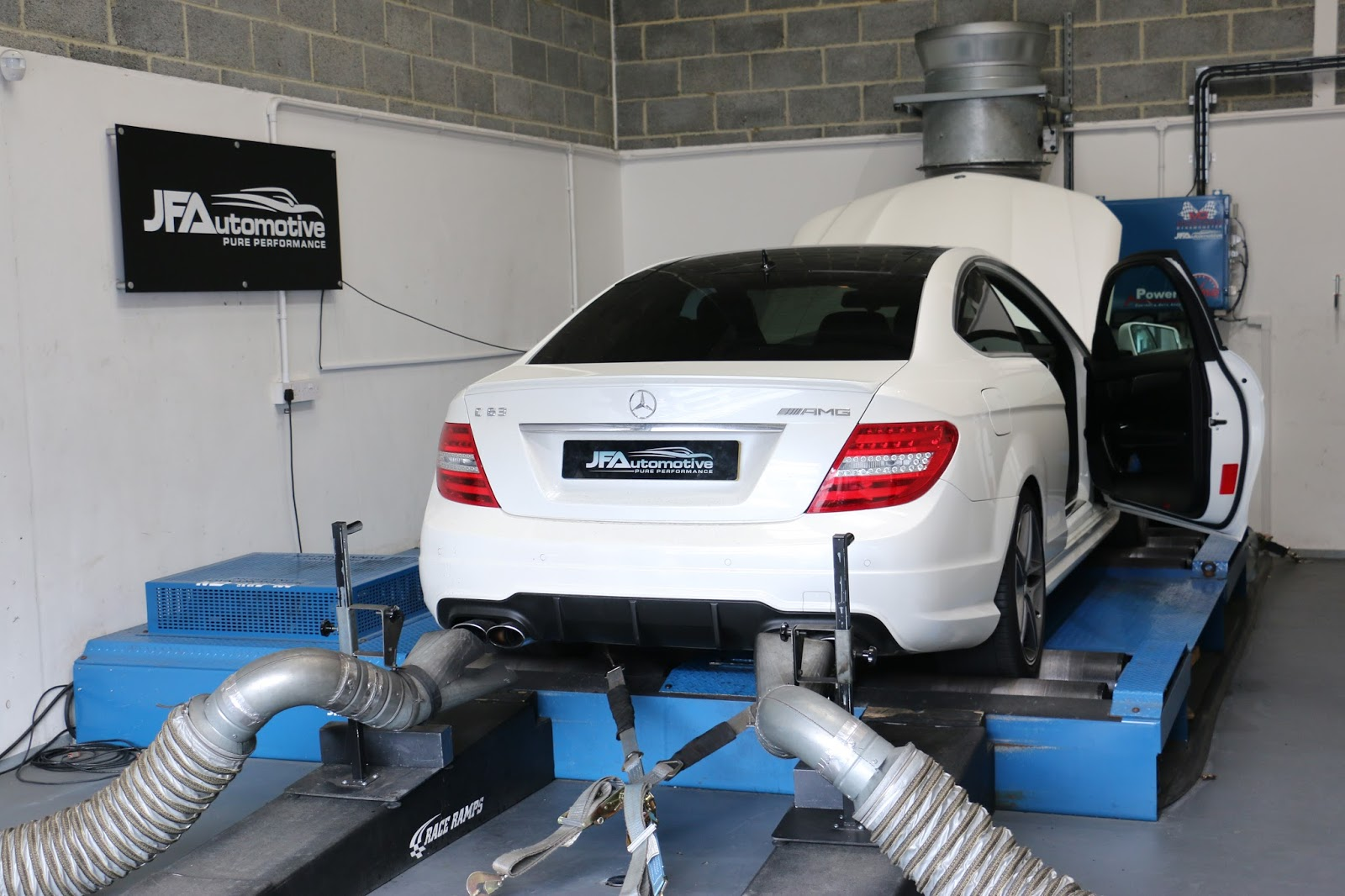 Mercedes C63 W204 ECU Remapping & Gearbox Tuning | JF