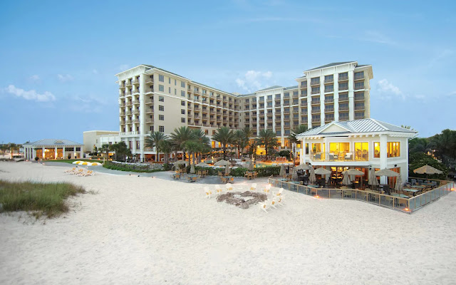 Book a getaway to remember at this Clearwater, Florida hotel. Sandpearl Resort offers stylish rooms, a spa, two restaurants and an ideal beachfront location.