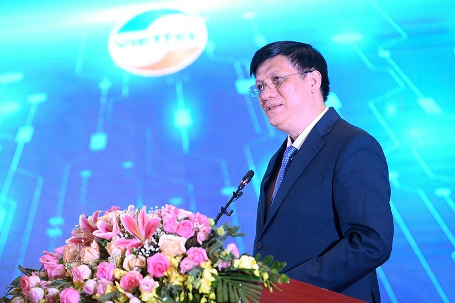 Quyền Bộ trưởng Bộ Y tế Nguyễn Thanh Long phát biểu tại buổi lễ.