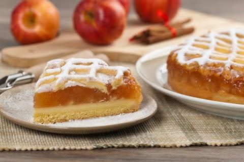 Omlós tésztájú almás, pudingos pite: a krémes réteg valami fenséges