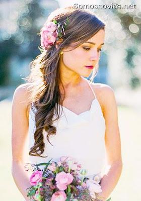 Peinado de Novia con Corona de Flores