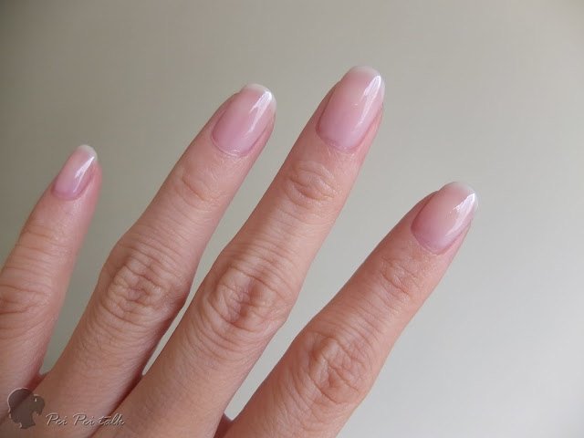 essie-gel couture 光療指甲油-sheer fantasy-試色