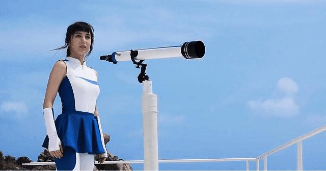 selain jadi bintang iklan, yuki sasou juga jadi model video klip dan main film