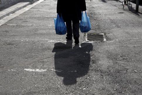 Καλπάζουσα η φτωχοποίηση των Ελλήνων - Νέο κύμα