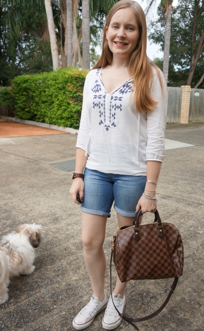 sea world australia theme park outfit embroidered blouse denim shorts Louis Vuitton speedy bandouliere | away from blue