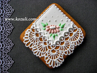 Роспись пряников сахарной глазурью (айсингом), видео мастер-класс. Роспись пряника Кружевной платочек