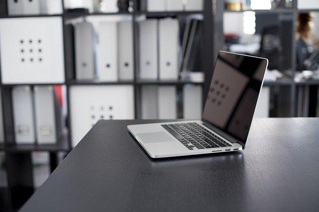 Cara Tebaik Merawat Laptop dengan Benar Agar Tahan Lama dan Awet