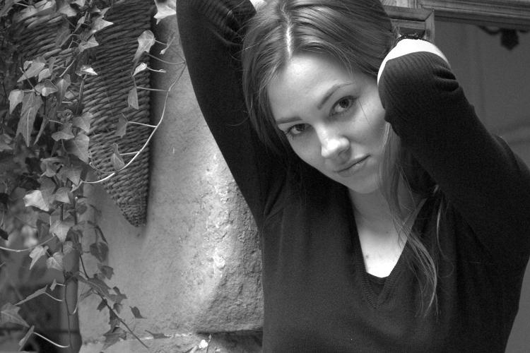 Agnieszka Sajdak-Nowicka dlaczego do pracy nie zakładamy swetra czy można ubrać sweter do pracy