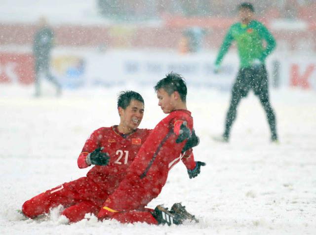 ĐT Việt Nam săn vé World Cup: Điềm lành từ vua áo đen, quyết hạ Thái Lan - UAE