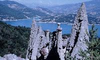 Lac de Serre-Ponçon al fondo