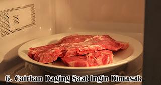 Cairkan Daging Saat Ingin Dimasak merupakan salah satu tips menyimpan daging kurban agar tetap segar