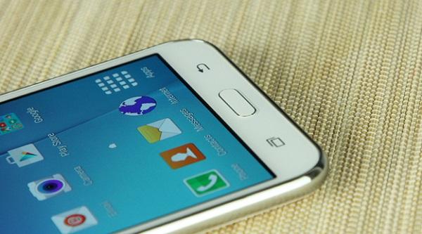 thay-mat-kinh-Samsung-Galaxy-J7-chat-luong