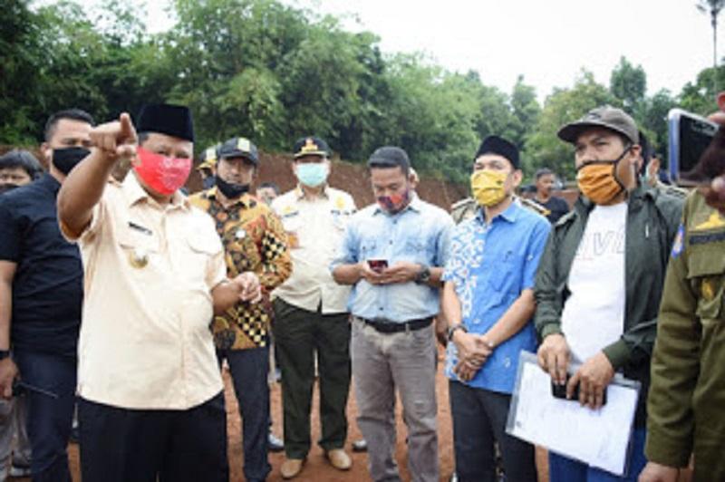 Wagub Jabar Ruzhanul Ulum Tutup Galian Ilegal di Desa Wisata