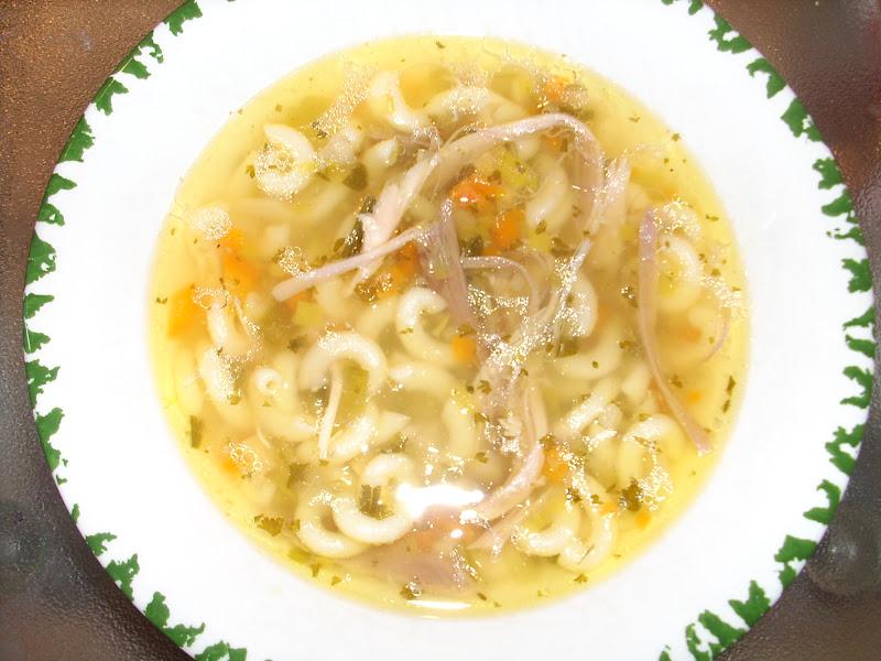 klare hühnerbrühe kochen