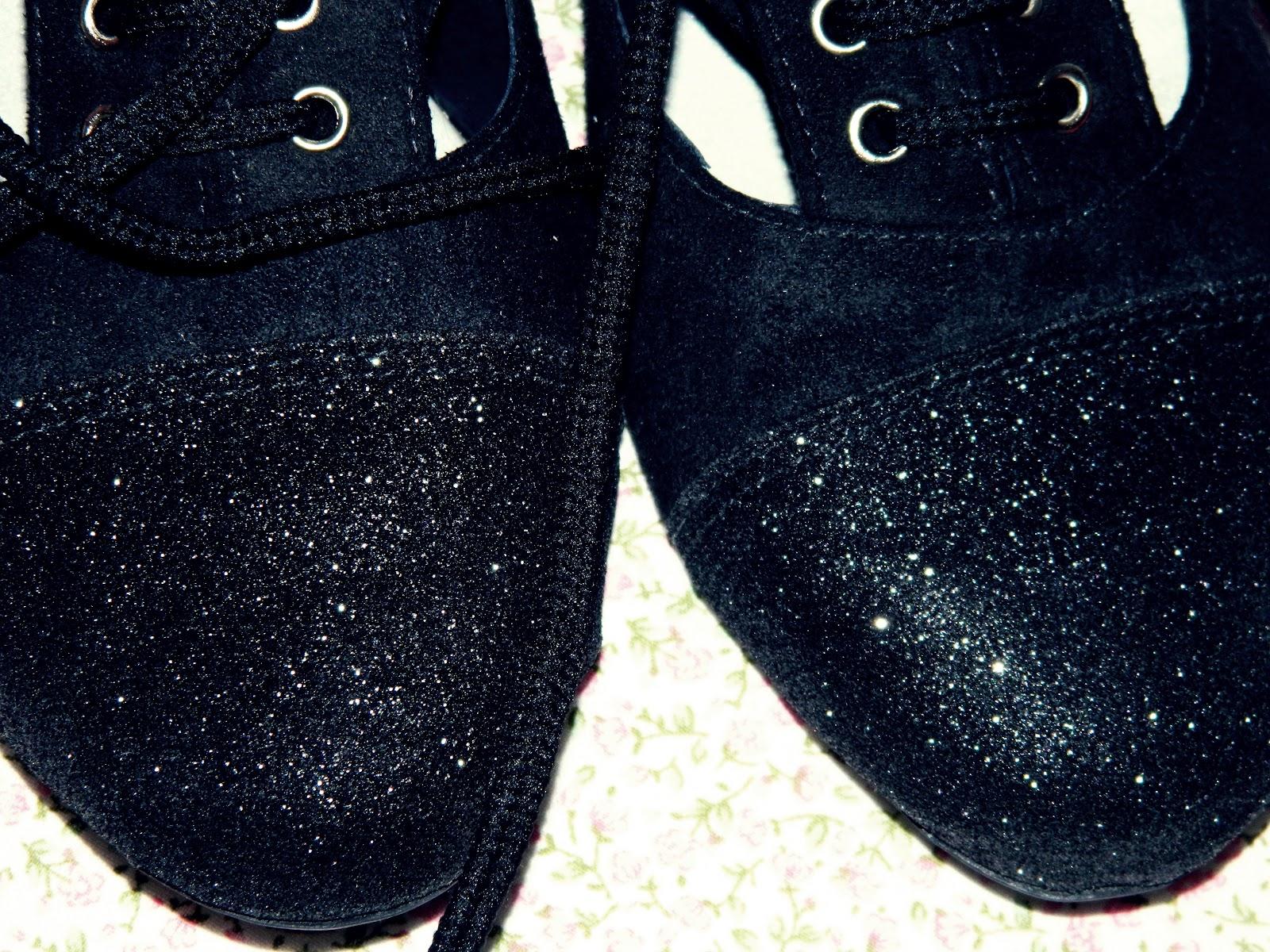 677cad166 O sapato oxford feminino, também conhecido como sapato bicolor é tendência  e promete ser sucesso em qualquer estação do ano, por isso além de ser  facil de ...