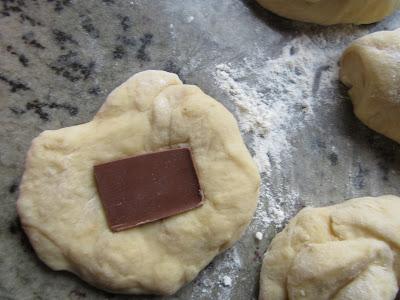 brioche portugués relleno de chocolate con olla GM.