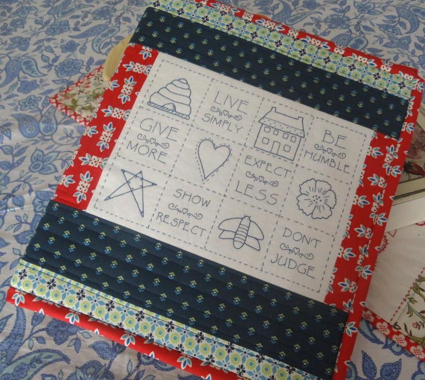 Jenny of ELEFANTZ TUTORIAL - a household binder cover!