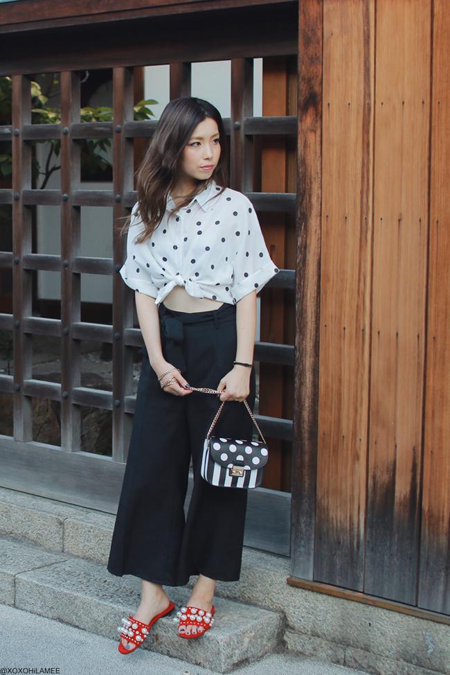 日本人ファッションブロガー,Mizuho K,20170929,今日のコーデ,SheIn-ポルカドットブラウス/フェイクパールスリッパサンダル,Rosegal-ブラックワイドパンツ/ポルカドットとストライプのショルダーバッグ, at 美観地区,倉敷