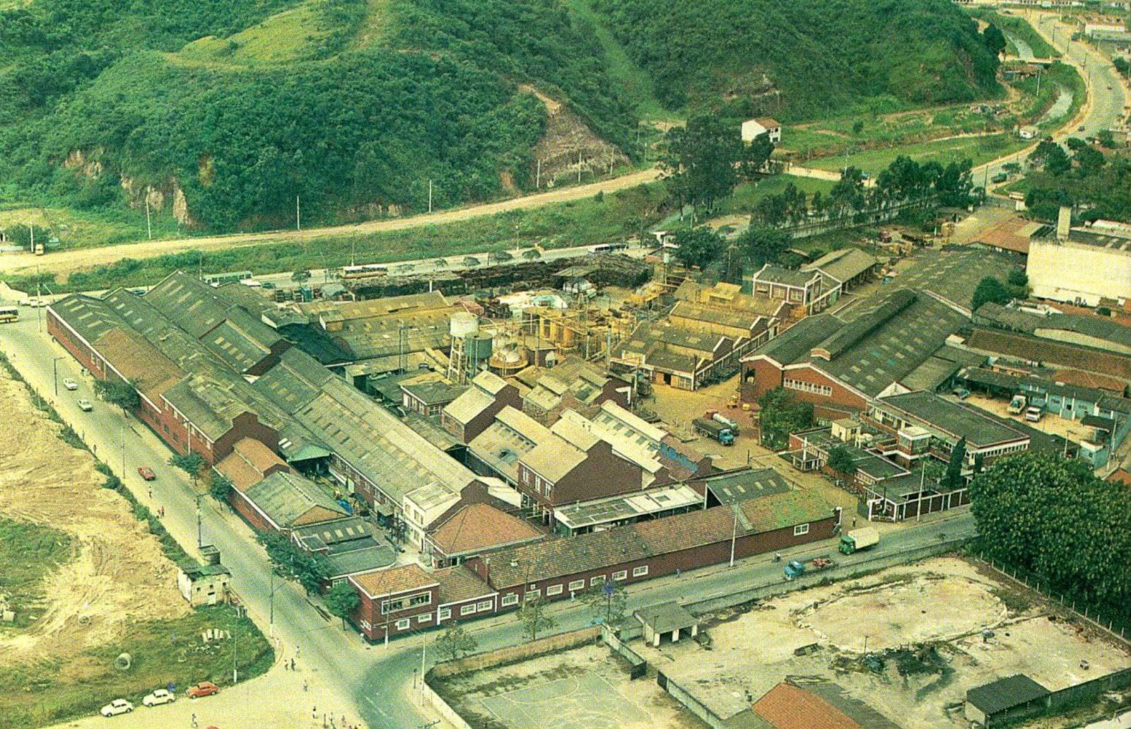 3b6198285af Uma bela imagem da Tintas Globo que ficava ali onde hoje é o Shopping de  Mauá