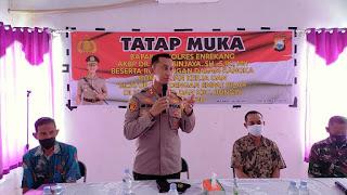 Kapolres Enrekang Melakukan Tatap Muka4 Pilar di Kantor Kecamatan Maiwa