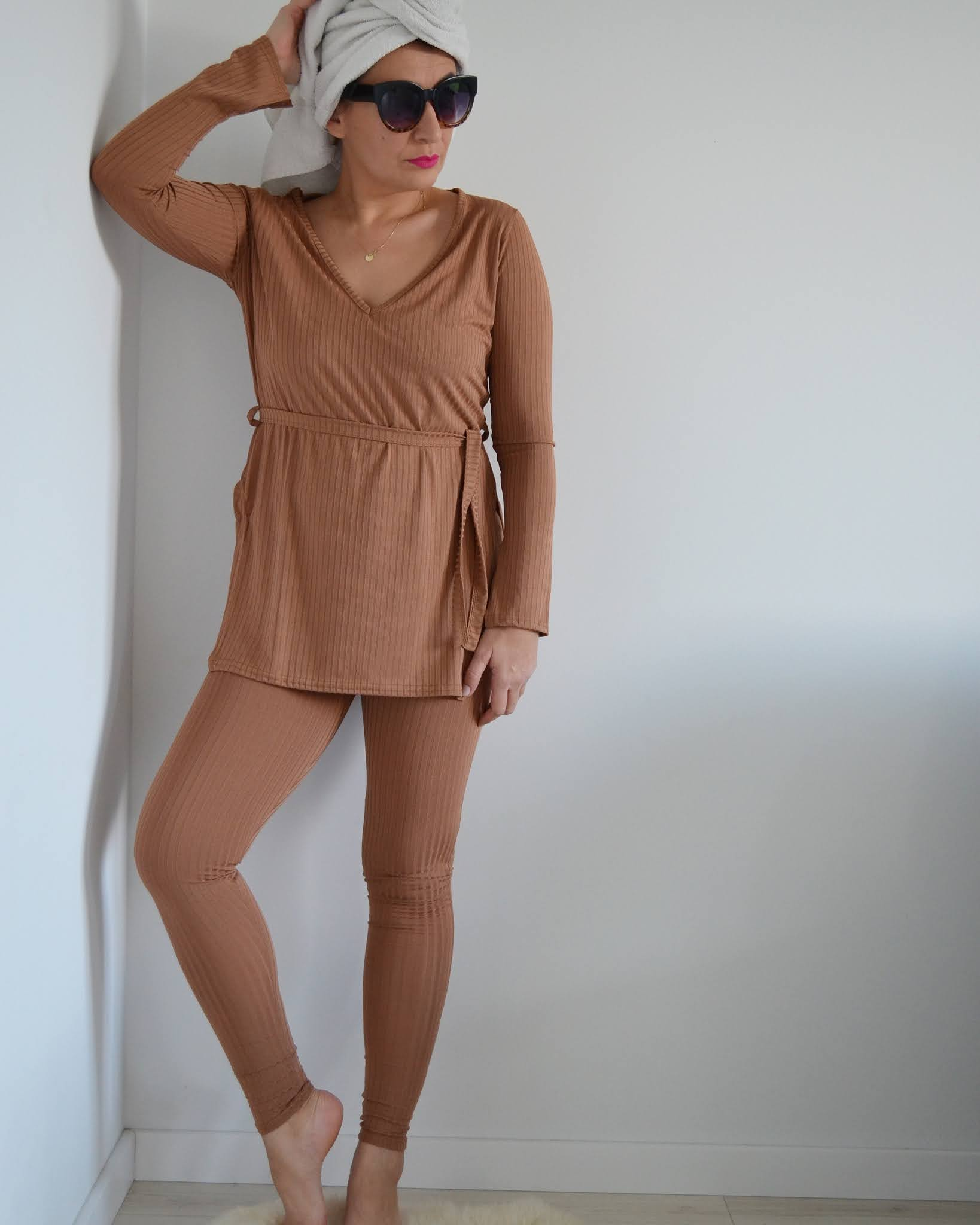 Sporty Casual Look,Femme Luxe Loungewear,dres,blog modowy Świdnica,FemmeLuxeFinery Co-ords,Jesienna Stylizacja,Adriana Style Blog,Fashion,autumn outfit,moda,on-line shopping,Dresy,