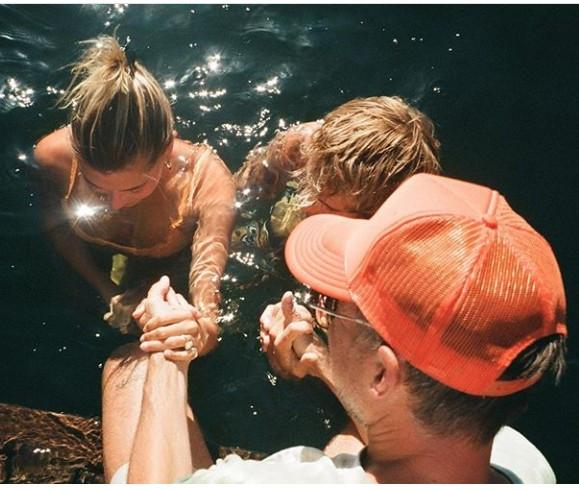 Justin Bieber and his wife Hailey Baldwin get baptised (Photos)