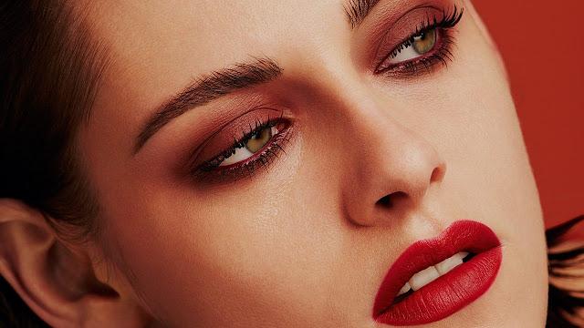Kristen-Stewart-Chanel-Red