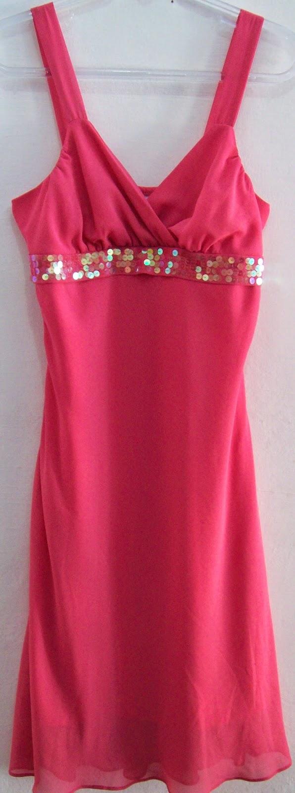 Vestido pink com paetês tamanho G