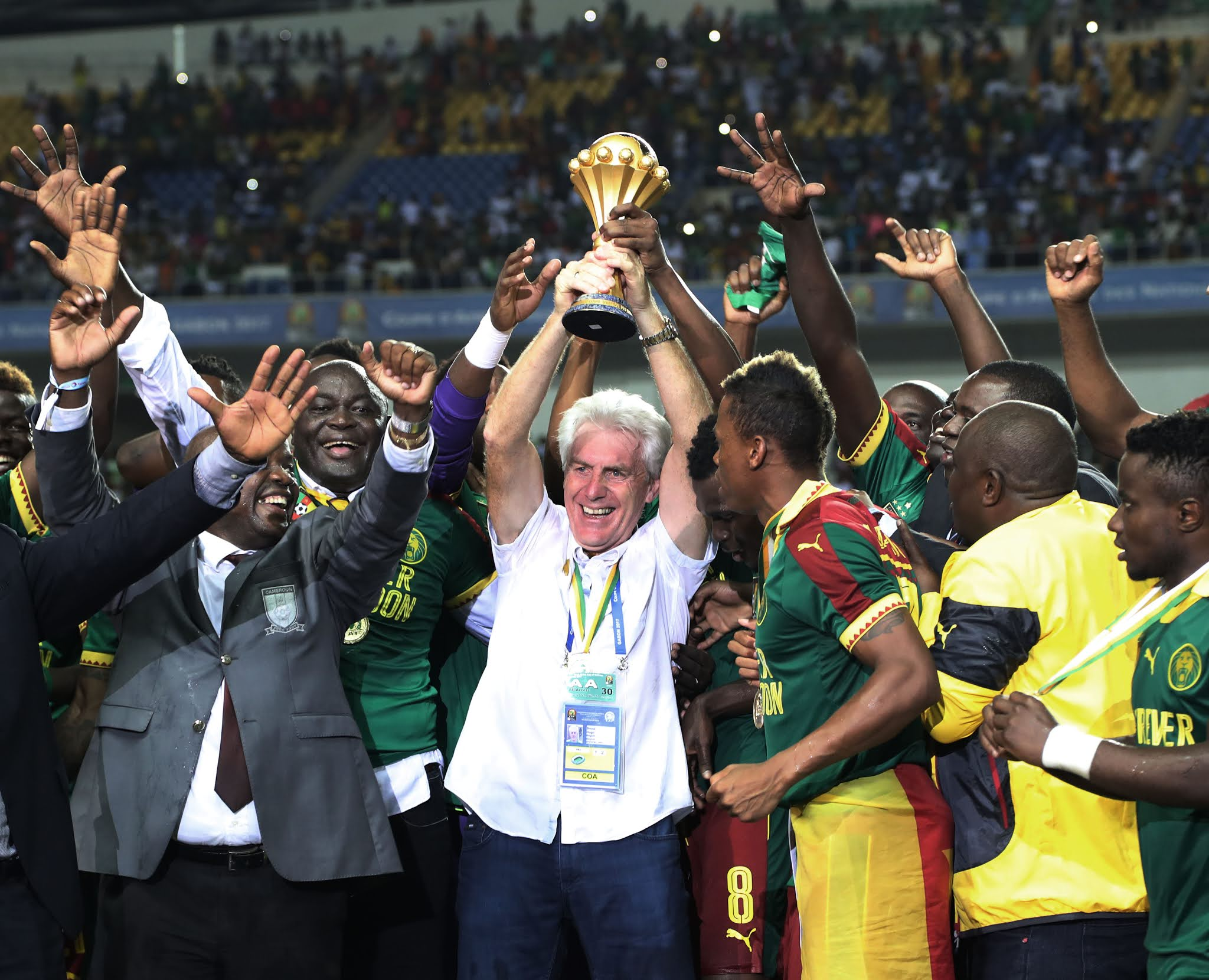 Hugo Broos winning the 2017 Africa Cup of Nations with Cameroon