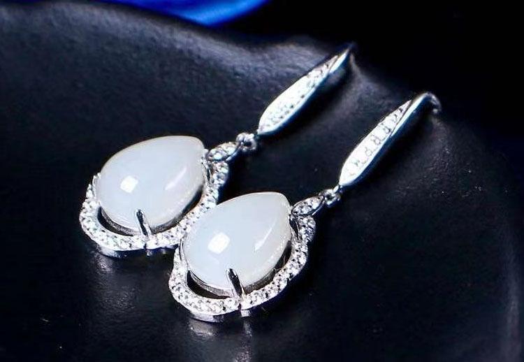 宮廷風姝麗和田玉 925純銀鋯石耳環