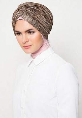Model hijab turban modern simpel nan trendy image