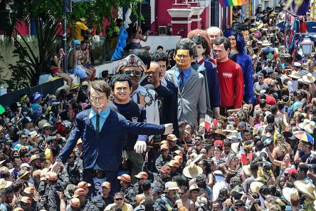 Bonecos políticos de Olinda