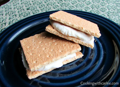 graham cracker and maple cream cheese sandwiches
