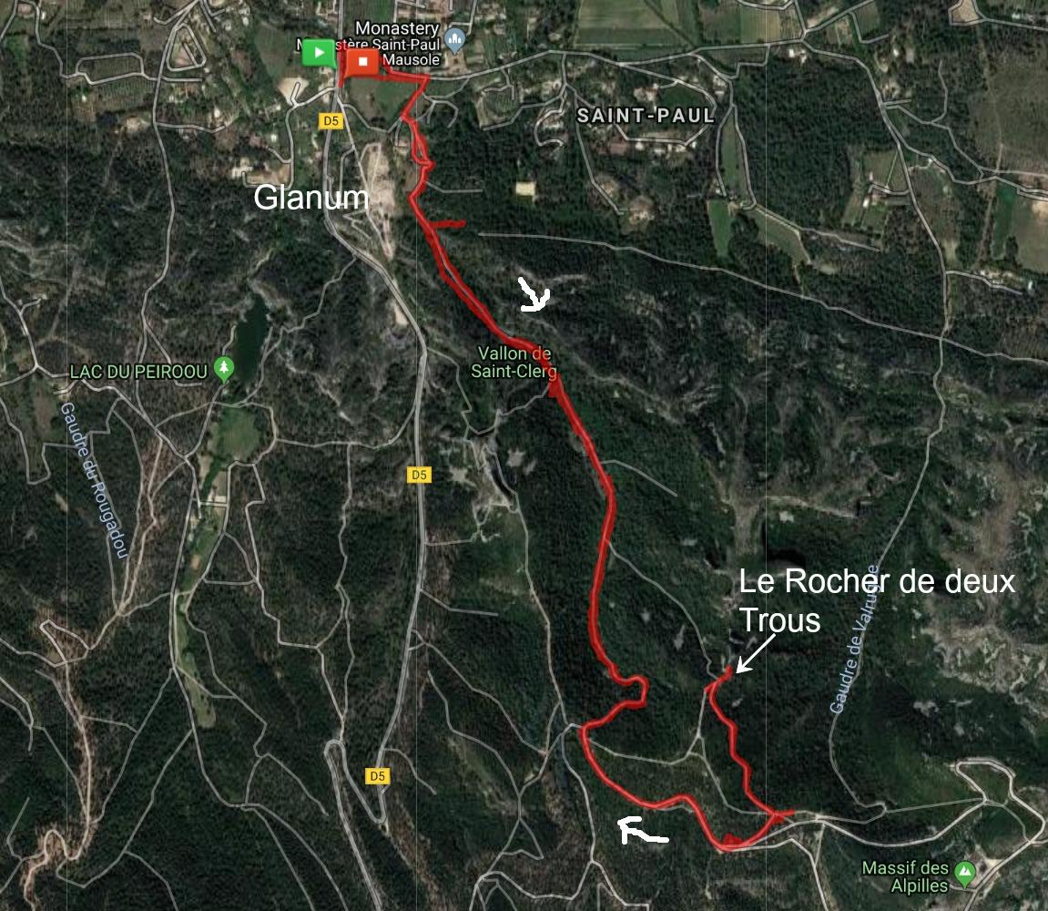 Le Rocher des deux Trous hike track Glanum