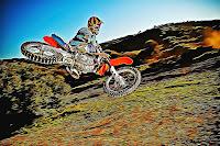 Wallpaper MotoCross versi Lukisan Kartun Keren