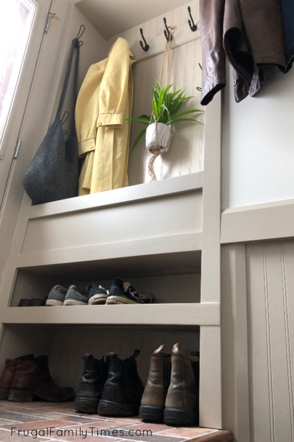 small mudroom built-in