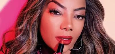Ludmilla e a marca de cosméticos Avon anunciaram parceria para dar um carro zero em uma promoção; anúncio foi criticado