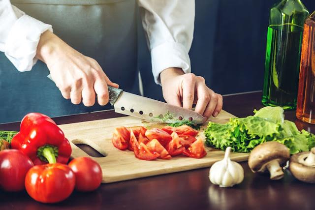 Το Blublanc στην παραλία Αρβανιτιάς στο Ναύπλιο ζητάει μάγειρα για κρύα κουζίνα
