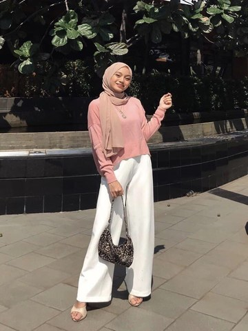 simple nude outfit kondangan
