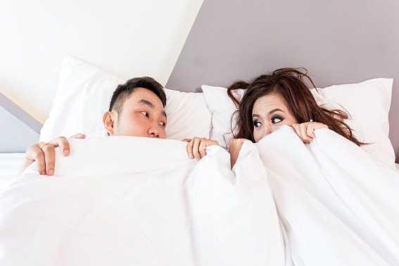 Posisi Bercinta yang Buat Hubungan Anda dan Pasangan Awet