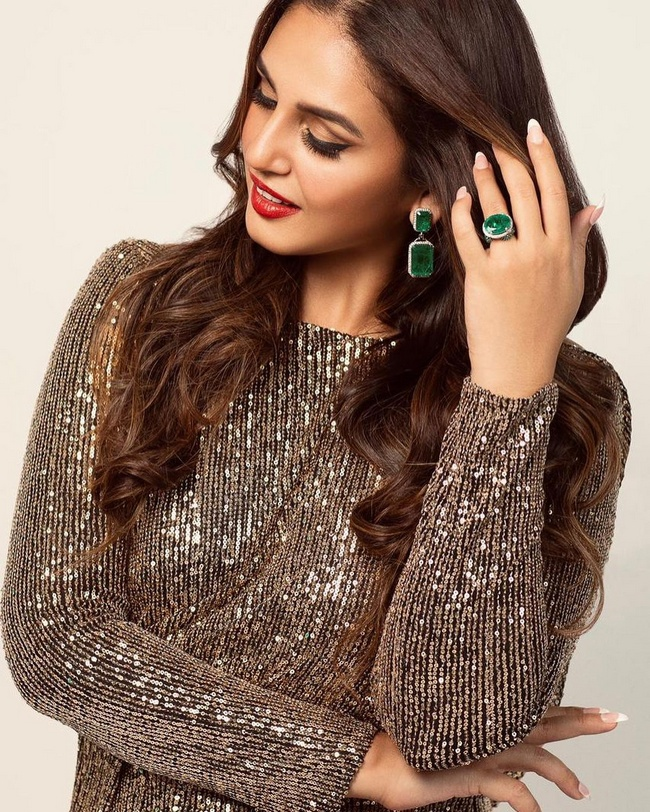 Actress Gallery: Huma Qureshi is Shiny Looks in a Dress