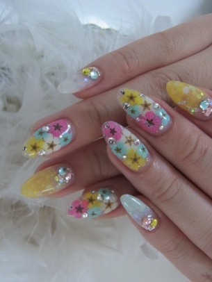 Acrylic-Nail-Art-Designs-for-Summer