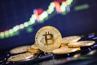 Bitcoin: apesar de promissora, criptomoeda pode ser investimento de risco; entenda